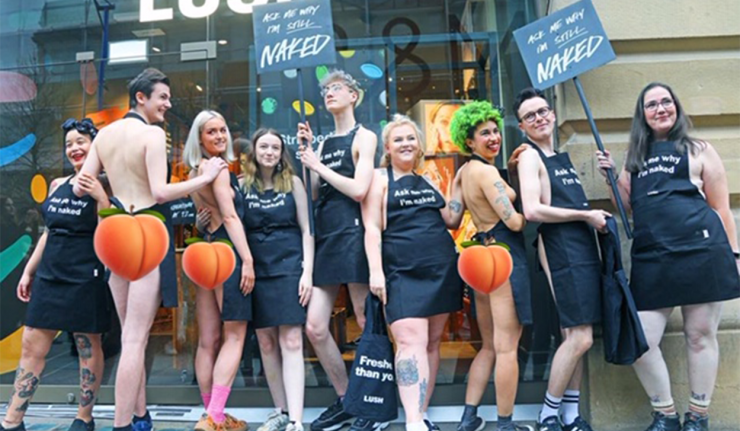 UK Lush Staff Goes Naked For New Package-Free Stores