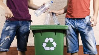 Men Less Likely To Recycle